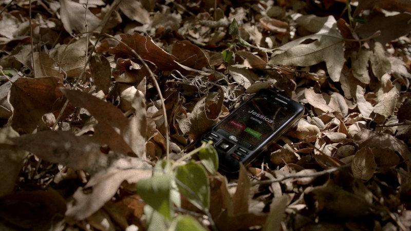 Screenshot True Blood S07E02 Mobile Phone