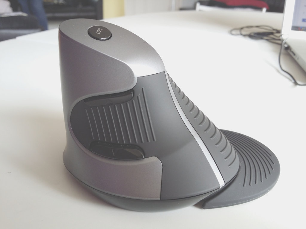 ZeleSouris Wireless Vertical Mouse and Linux – Terence Eden's Blog