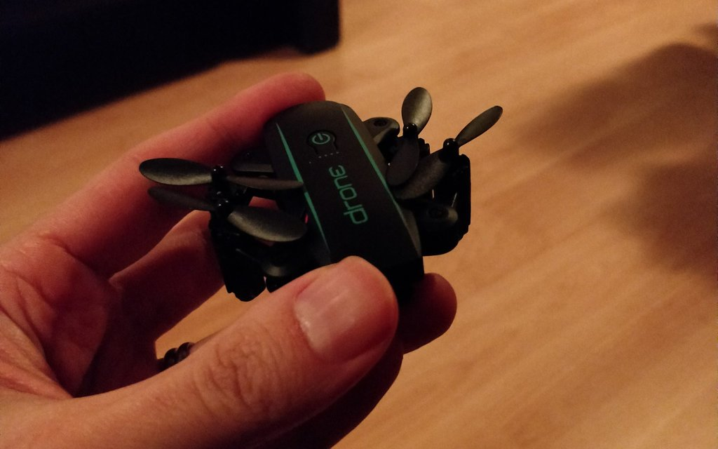 Mini drone which fits in the hand
