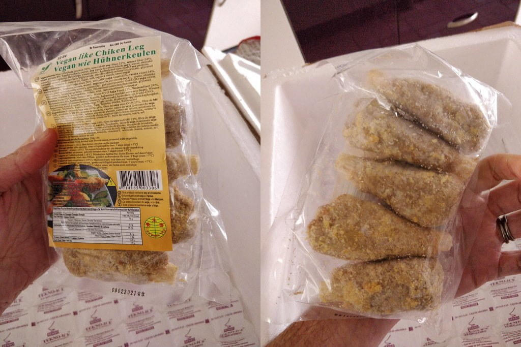 Frozen drumsticks in a packet.