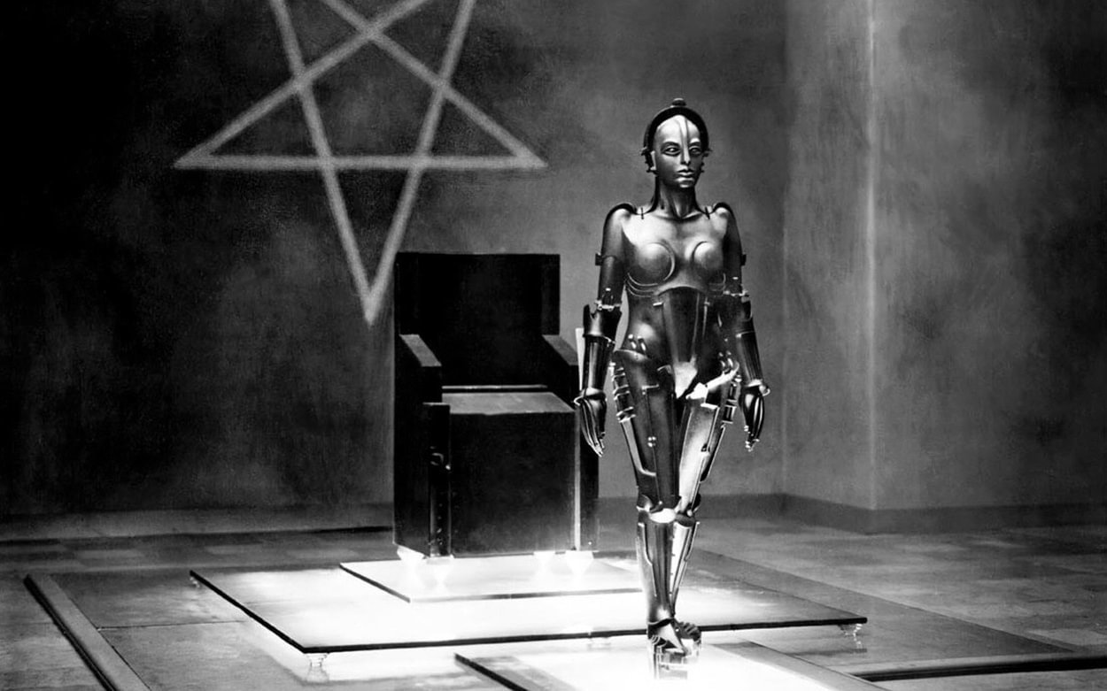 Still from Metropolis. A sexy female robot.