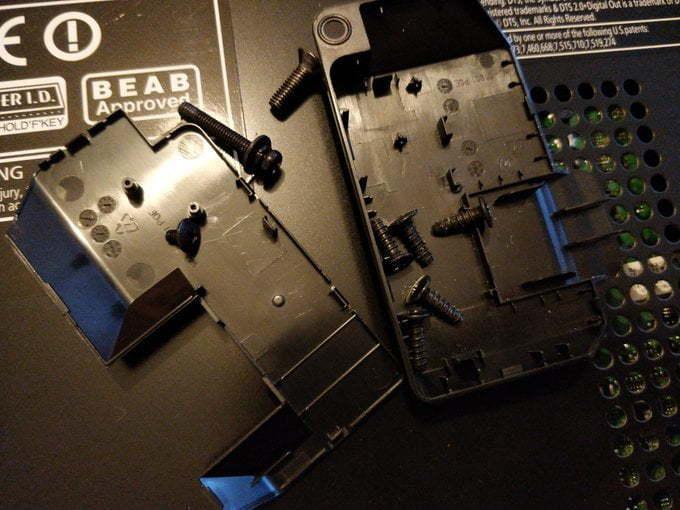Screws and plastic bits.